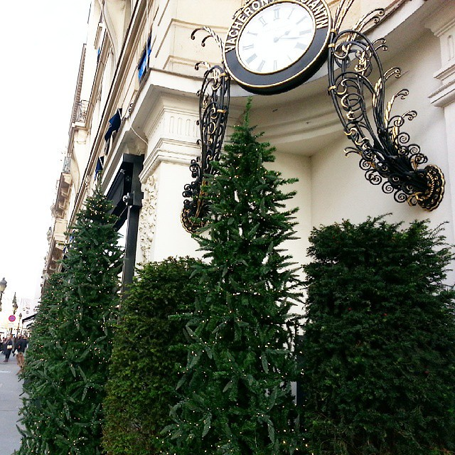 Standing on the corner on rue de la Paix you get a lovely look at #Christmas in #Paris. #ChristmasInParis #Noel #iloveparis