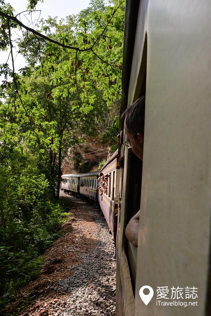 《北碧府景点推荐》桂河大桥死亡铁道行:缅怀战争残酷沈淀后的复古铁道风采。