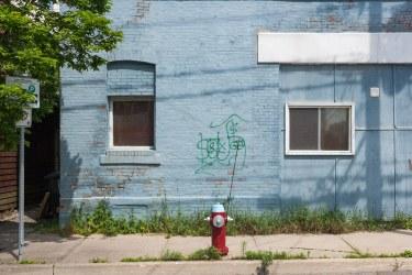 Firehydrant betwwen two windows