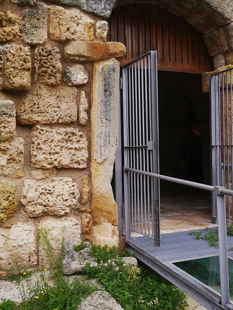 San pietro o santa maria di crepacore torre santa susanna br brundarte - Finestra a tre aperture ...