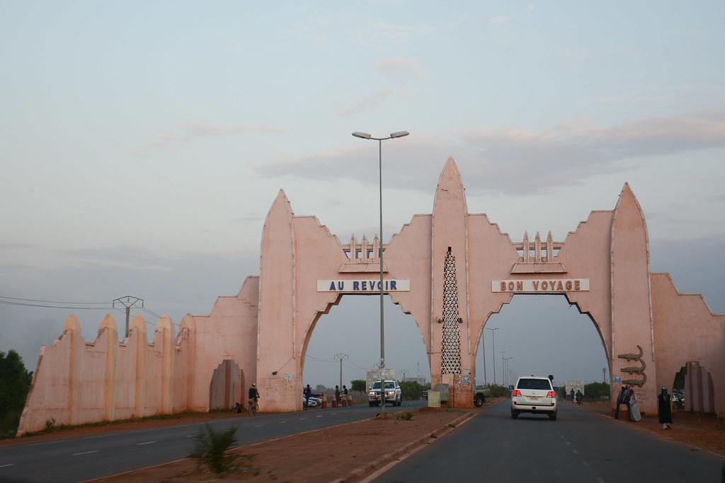 Head of UNMEER visit to Mali