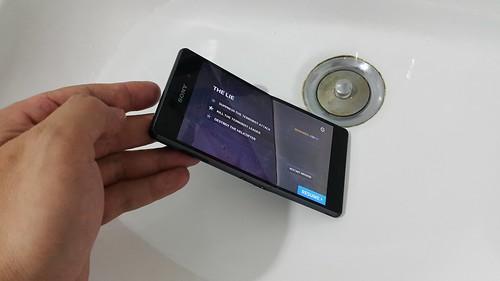 บอดี้ของ Sony Xperia Z3 ออกแบบมาให้กันน้ำได้