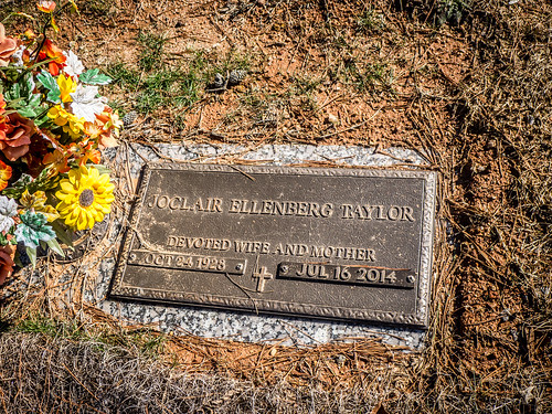Parents Graves at Forest Lawn-001