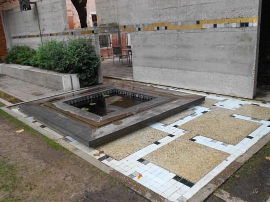 vasca, mattonelle, muro, acqua, giardino, Carlo Scarpa, fondazione Querini, Venezia