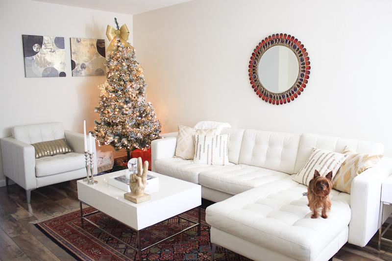 all white living room decor