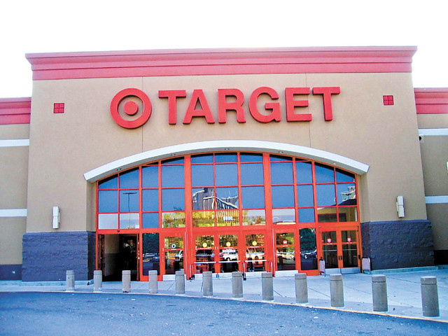 18.29_Lede_Year-in-Review_January_Target_store_by_Jay-Reed_wikimedia-commons_CC