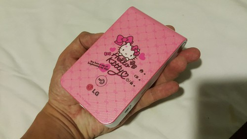 ตัวเครื่อง LG Pocket Photo Limited Edition มีขนาดประมาณฝ่ามือเลย