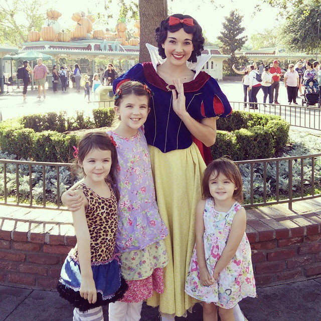 It's a beautiful day at the happiest place on earth. We met Snow White with no waiting in line!  #disneyland #homeschool