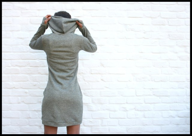 sweaterdress (back)