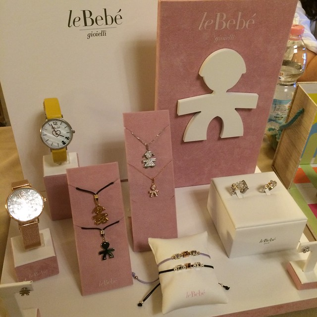 stand LeBebé gioielli al Baby Shower Party