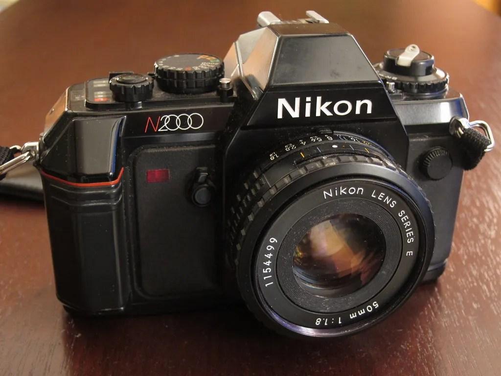 Nikon N2000