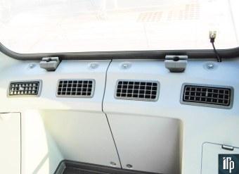 обдув установлен по периметру кабины Doosan DX225