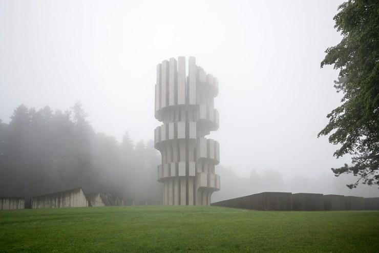 Monument to the Revolution (Kozara)