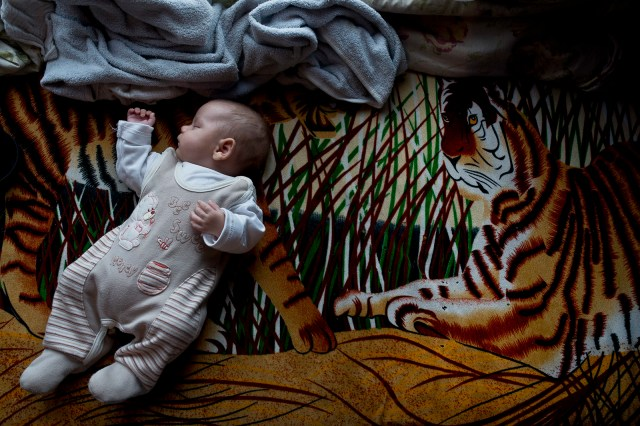 Életképek Monor Tabán nevű romatelepéről, ahol évek óta fut a Magyar Máltai Szeretetszolgálat Jelenlét programja. Fotó: MMSZ/Hajdú D. András