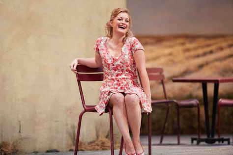 Lucy Crowe in L'elisir d'amore © ROH.Mark Douet, 2014