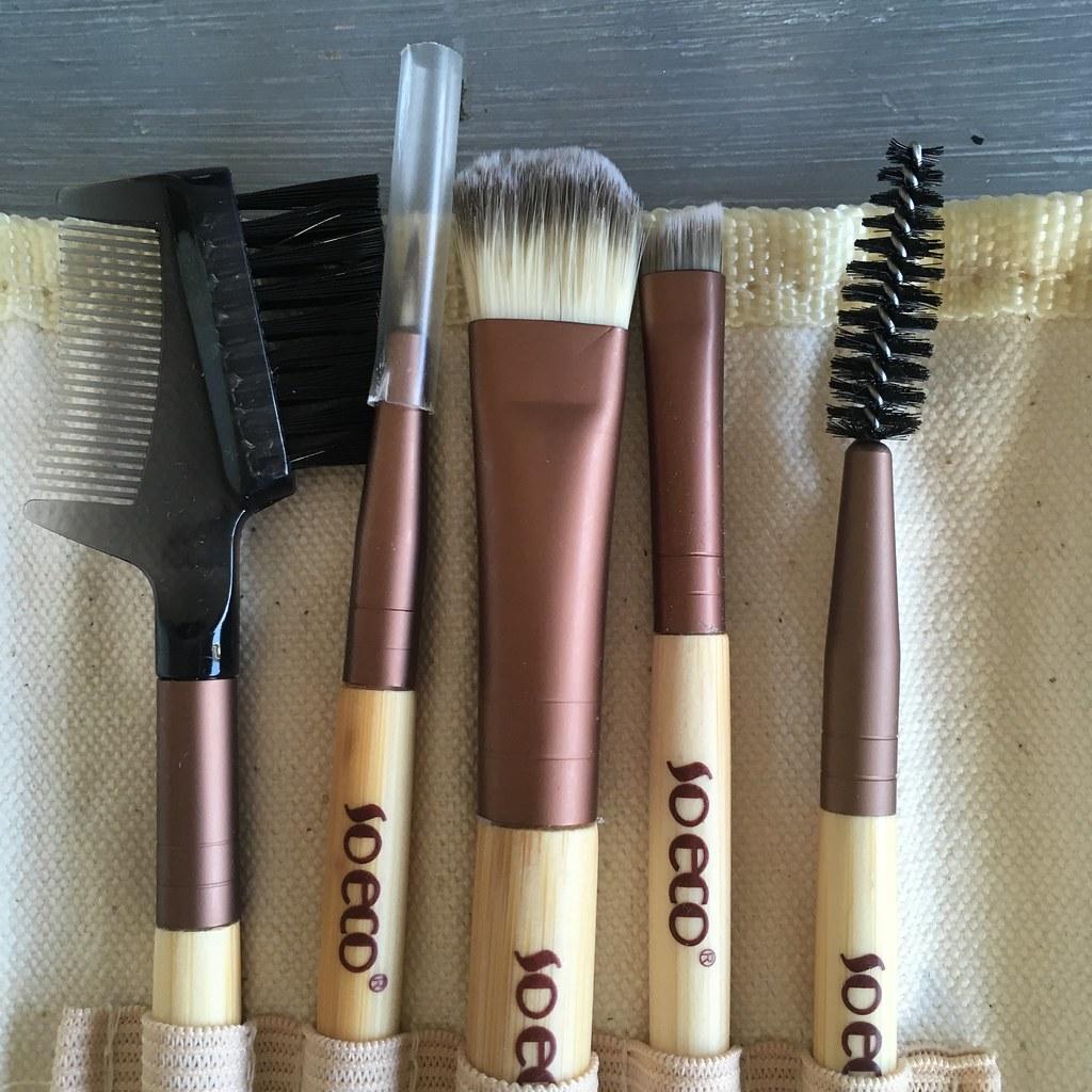 So Eco 5 Brush Eye Kit Review