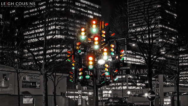 Pierre Vivant's 'traffic lights' sculpture - Canary Wharf