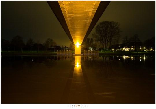 Fietsbrug over het kanaal