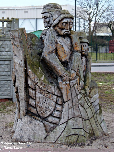 Wooden carving in Hel