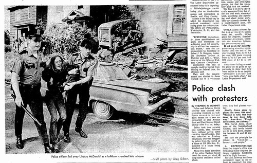 1971 06 17 Seattle Times - Protestors Police Safeway