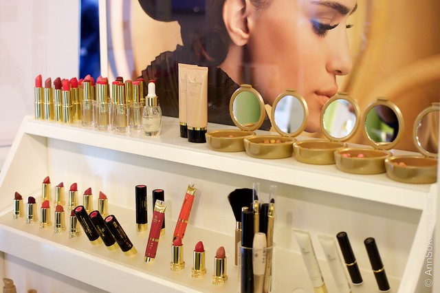 52 Oriflame Concept store in Stockholm