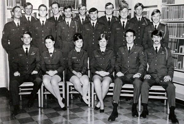Retrospace: Mini Skirt Monday #183: A Salute to Military Minis