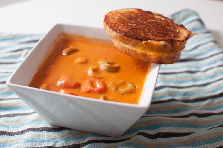 Creamy Tomato Tortellini Soup 2