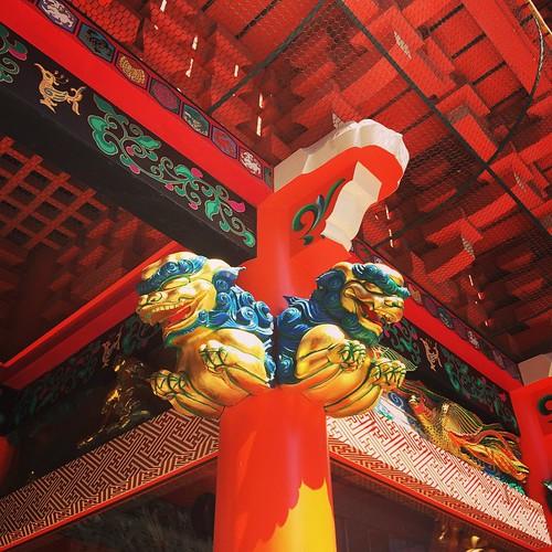 The statue of the gate in Kanda Myojin.