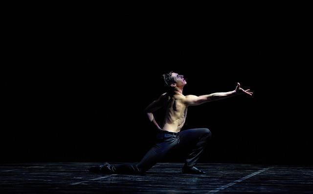 Cesar Corrales performing Julio Lopez's Contrabajo para hombre solo at English National Ballet's Emerging Dancer 2016. Photo © Laurent Liotardo