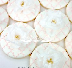 Wafer paper flower cookie