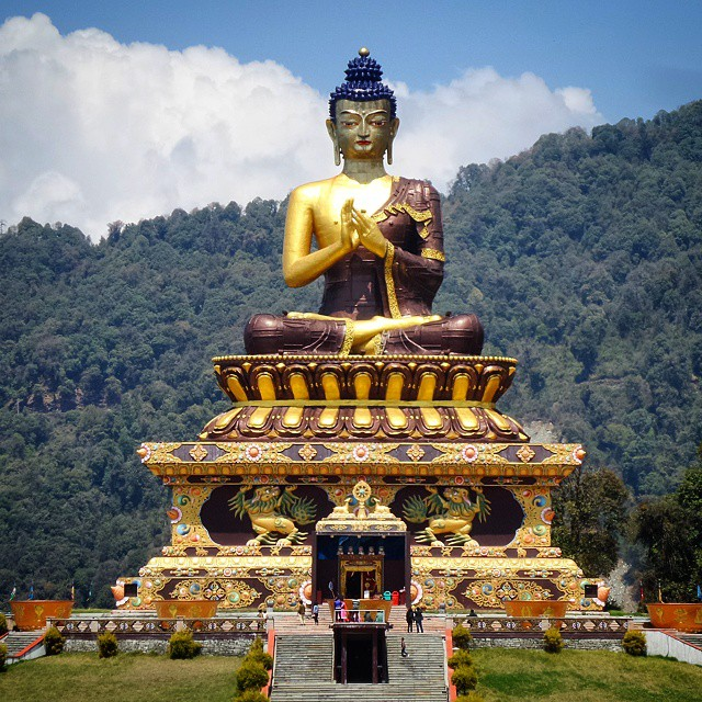 #RightNow in #Ravangla #Sikkim #IncredibleIndia  #Buddha #goldenbuddha #LordBuddha #monument  #clouds #sky #TagsForLike