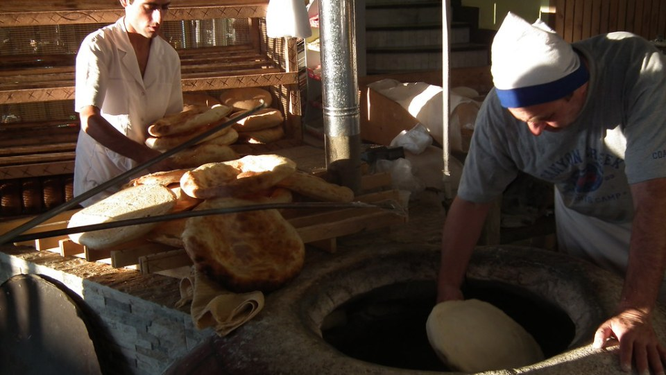 Armenia su gente artesanos del pan 48