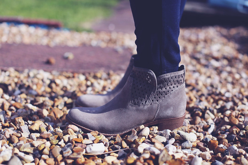 Jones Bootmaker Boots outfit post