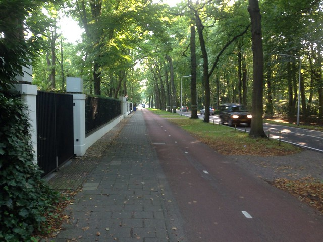 Cycling between Wassenaar and the Hague