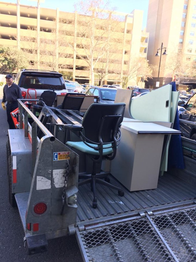 Bye bye old office furniture!