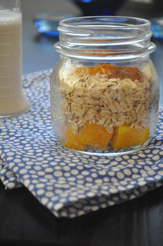 Mango spiced oats