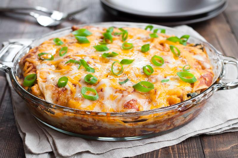 The TASTIEST 30-minute veggie enchilada pie, to use up leftover veg in the fridge for a brand new weeknight dinner.