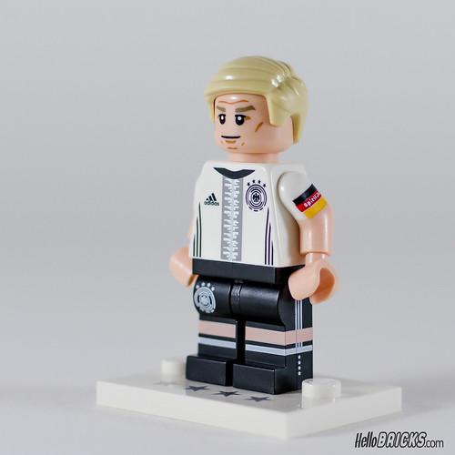 REVIEW LEGO 71014 7 Bastian Schweinsteiger (HelloBricks)