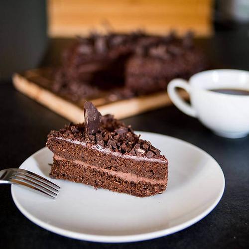 27 Guilt-Free Keto Chocolate Cake Recipes
