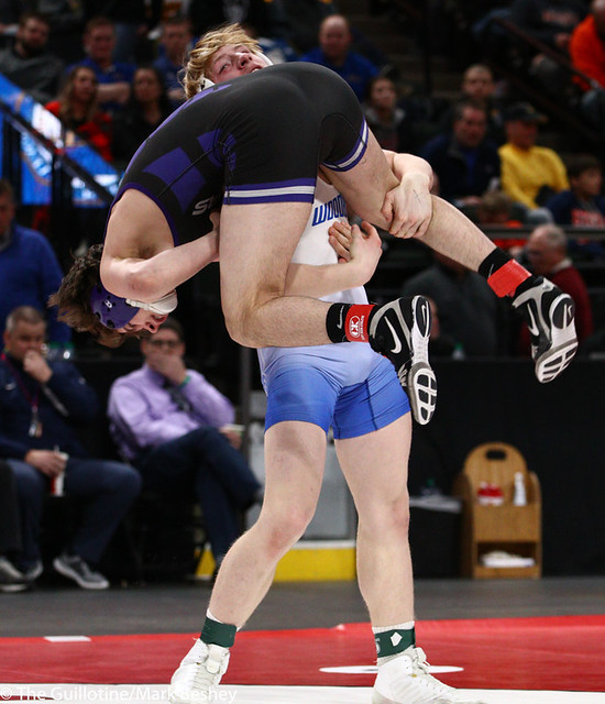 160AAA 1st Place Match - Gabe Nagel (Little Falls) 46-0 won by disqualification over Brock Rinehart (Woodbury) 47-4 (DQ) - 190302bmk0272
