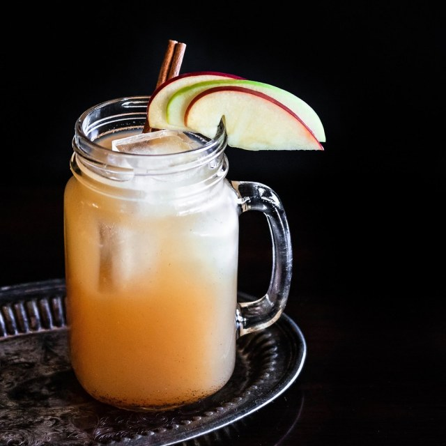 white apple sangria
