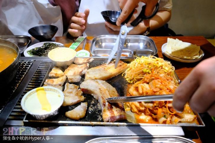 40135444773 cc2773a4d2 c - 菜豚屋 | 從日本開來台灣的韓式連鎖烤肉店!生菜包肉太6了,快來享受被五花肉攻擊的飽足感呀~