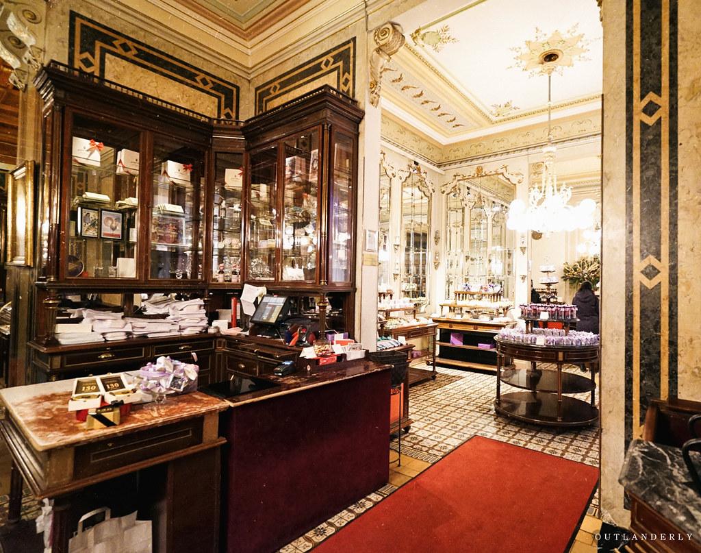 Demel's cafe, lobby