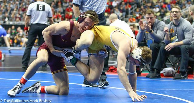 Champ. Round 2 - Mitch McKee (Minnesota) 22-5 won by decision over Sam Turner (Wyoming) 31-13 (Dec 7-4) - 190321bmk0080