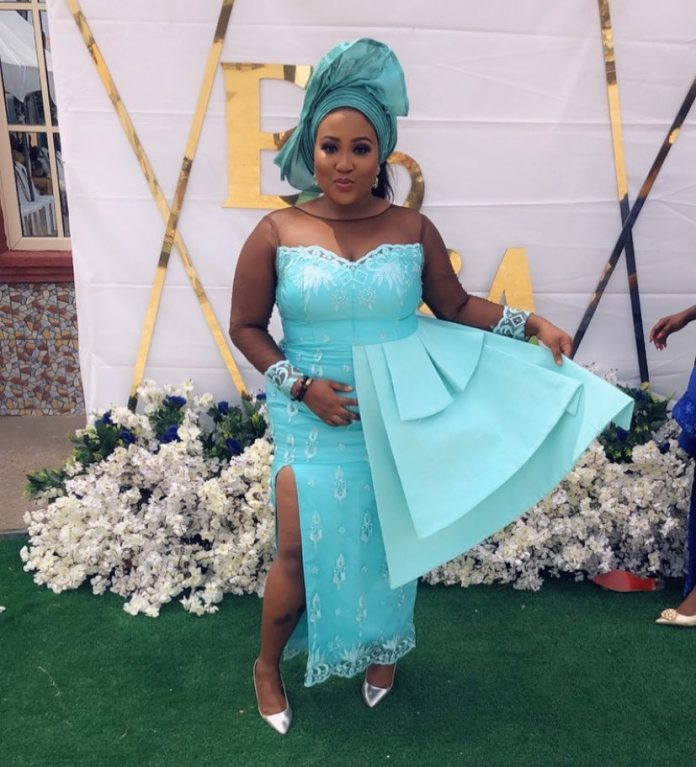 Collection of Ankara and Aso Ebi Styles Dresses 2019 Designs - {Od9ja Styles} - Collection of Ankara and Aso Ebi Styles Dresses 2019 Designs