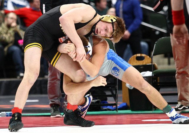 5th Place Match - Dylan Anderson (Apple Valley) 39-16 won by decision over Braden Kramer (Brainerd) 38-11 (Dec 5-3) - 190302cmk0149