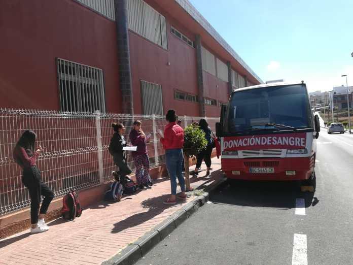El ICHH acerca la donación de sangre al IES Lila de Telde y al IES de Santa María de Guía