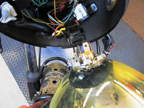 Removing Headlight Lens Assembly From Bulb Socket