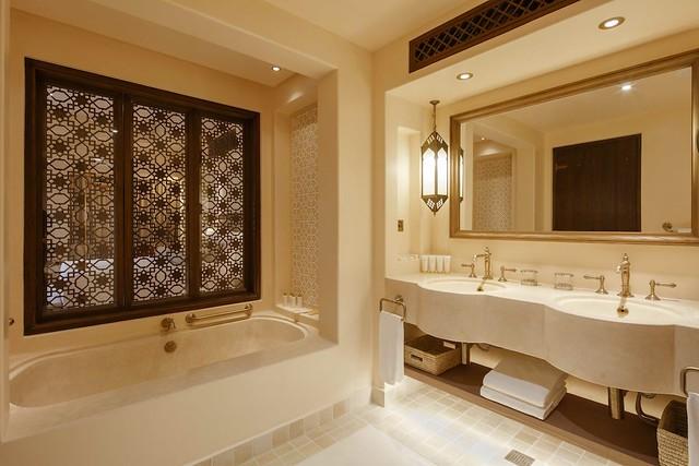 Jumeirah Al Wathba - Arabian Deluxe Room - Bathroom
