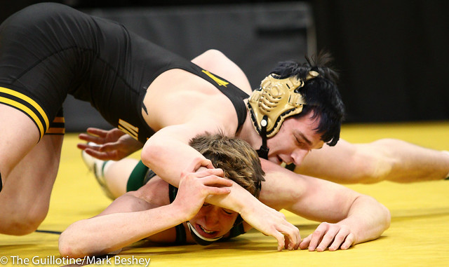 145 - Semifinal - Brady Gross (Apple Valley) 48-4 won by decision over Nick Dunagan (Mounds View) 48-4 (Dec 3-1) - 190302amk0085
